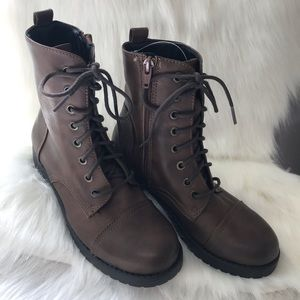 NEW MOSSIMO BROWN COMBAT BOOTS